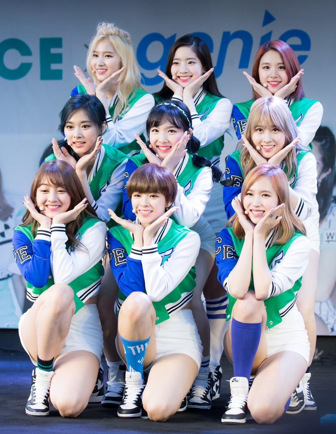 Twice Lyrics Three Times A Day 하루에 세번 Singkpop Com